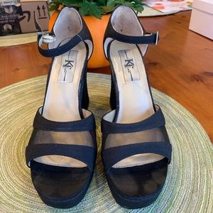 dd3c1ca1a Shoes - Black vintage strappy chunky heels size 7
